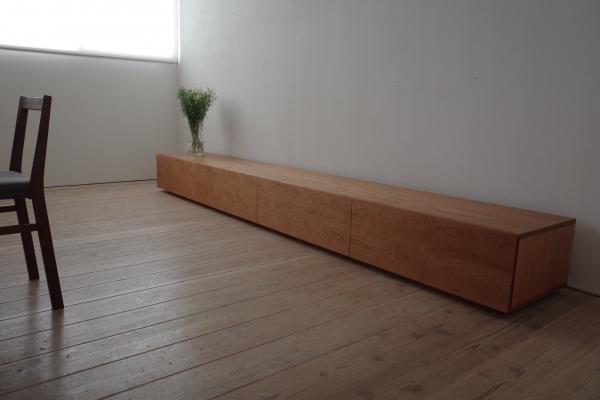 低重心の3mのロングテレビボード